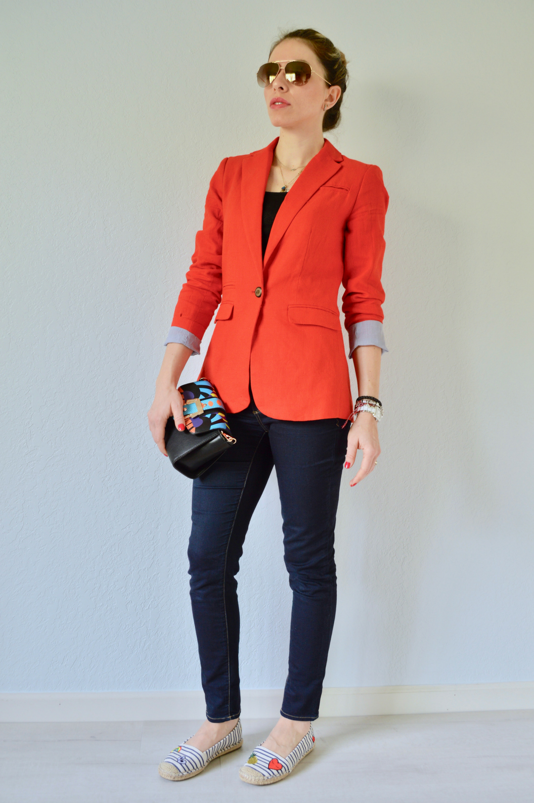 how to style red blazer
